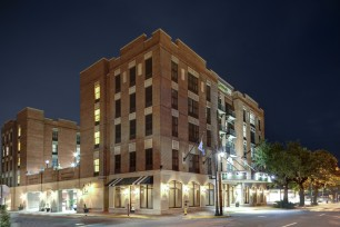 Holiday Inn - Savannah Historic District